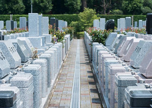鎌倉で葬儀・お墓についてお考えの方は【墓石センター】へご連絡を~確かな技術を持つ1級技能士が施工~